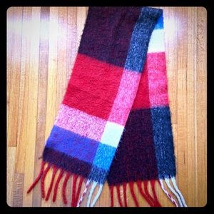 FOREVER 21 long wooly plaid fringed scarf